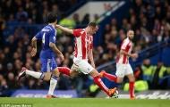 Charlie Adam sút tung lưới Chelsea từ hơn nửa sân