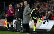 Sanchez cay cú khi bị thay ra, HLV Wenger nói gì?