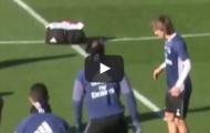 Xử lý bóng hỏng, Luka Modric bị đồng đội trêu chọc