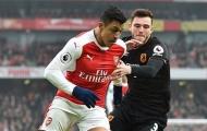 Ghi cúp đúp vào lưới Hull, Sanchez sánh ngang với Henry