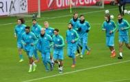 Chùm ảnh: Roger Schmidt trầm tư, cầu thủ Bayer Leverkusen hớn hở
