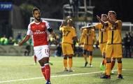 Walcott chạm kỉ lục, Arsenal nhẹ nhàng hạ Sutton