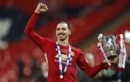 Thế giới bóng đá ngả mũ trước 'siêu nhân' Zlatan Ibrahimovic