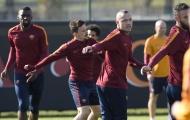 Chùm ảnh: Phải ghi ít nhất 2 bàn trước Lyon,  AS Roma 'lao đầu' vào tập luyện