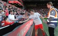 Gerrard ghi bàn, huyền thoại Liverpool thắng 'cực đẹp' trước Real