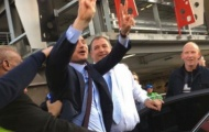 Trở lại thăm Chelsea, Lampard liên bị fan 'khủng bố'