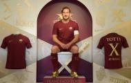 Totti tưng bừng nhận giày vàng tại Rome