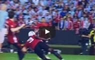 Eric Bailly bay người phá bóng đầy quả cảm trước Celta Vigo