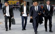 Cha Neymar 'đi đêm' với M.U, Chelsea?
