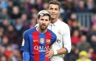 Pique gạt Ronaldo, điền tên Messi cho QBV