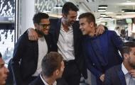 Buffon nói không ngừng trong tiệc ăn mừng cú đúp của Juventus