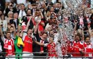 Wenger úp mở tương lai, người Arsenal sốt ruột