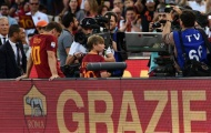 Totti yếu đuối lạ thường trong trận đấu chia tay Roma