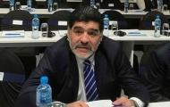 Maradona: Dani Alves là một thằng đần!