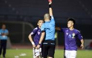Cầu thủ Hà Nội FC tái hiện pha vào bóng kinh hoàng của Quế Ngọc Hải