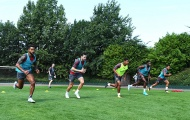 Mesut Oezil tập luyện hăng say, Arsenal chờ đón Lacazette