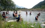 Các thành viên Parma trèo đèo, lội suối tìm đường trở lại vinh quang