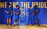 Chelsea hân hoan khoe cúp tại Bắc Kinh