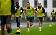 Terry và các đồng đội 'căng sức' tắm mưa tại nước Đức