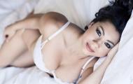 Cô vợ của Irfan Bachdim khoe thân hình siêu nóng bỏng