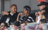 Neymar nhí nhảnh bên cạnh cha chứng kiến đồng đội giành chiến thắng
