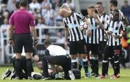 Khủng hoảng lực lượng, Newcastle 'vái tứ phương' để bổ sung nhân sự