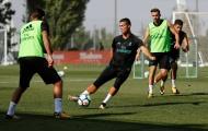 Bị cấm thi đấu, Ronaldo vẫn miệt mài tập luyện cùng Real