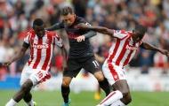 'Oezil quá tệ, là gánh nặng của Arsenal'