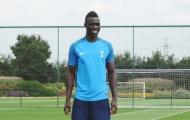 Tân binh kỷ lục cười hết cỡ trong buổi tập đầu cùng Tottenham