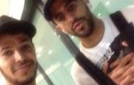 Mahrez vạ vật ở sân bay, chờ CLB mới đến rước