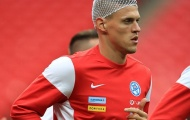 Skrtel băng đầu đến sân tập, tăng nhuệ khí cho Slovakia