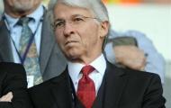 Người phụ trách chuyển nhượng của Arsenal từ chức