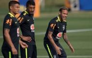 Fan Barcelona ủng hộ Paulinho triệt hạ Neymar