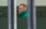 Rooney kiệm lời trong ngày đầu làm công ích