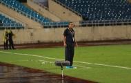 NHM 'xót' khi thấy Mai Đức Chung dầm mưa chỉ đạo