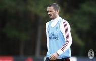 Bonucci tỏ ra khó chịu trên sân tập Milan