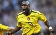 Huyền thoại Sol Campbell của Arsenal sang Việt Nam