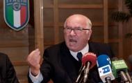Họp báo căng thẳng, ông Tavecchio rời ghế chủ tịch FIGC