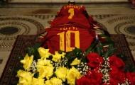 Áo của Totti được tuẫn táng theo người chết
