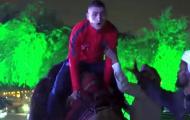 Verratti tái mặt với trải nghiệm cưỡi lạc đà