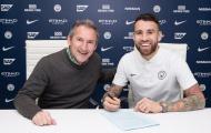 Otamendi tươi rói trong gia hạn hợp đồng với Man City