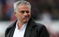 Mourinho đặt câu hỏi cho 3 huyền thoại Man Utd