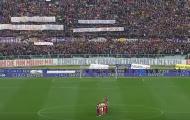 Toàn cảnh phút giây cả sân Franchi hướng về Davide Astori