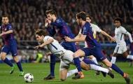 Huyền thoại Chelsea 'chia rẽ' sau trận thua Barca