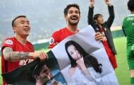 'Vịt con' Pato gây sốt với màn tỏ tình Địch Lệ Nhiệt Ba