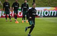 Ronaldo khoe giày, đồng đội Bồ Đào Nha 'lác mắt'