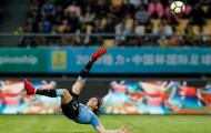 Siêu phẩm 'ngã bàn đèn', Cavani hẹn Bale tại chung kết