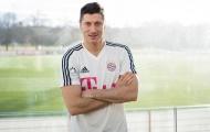 Lewandowski thông báo với đồng đội về việc rời Bayern
