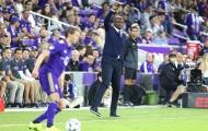 Everton nhắm huyền thoại Arsenal thay Sam Allardyce