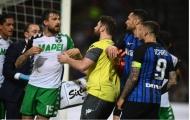 Vỡ mộng Champions League, Icardi lao vào đánh đối thủ
